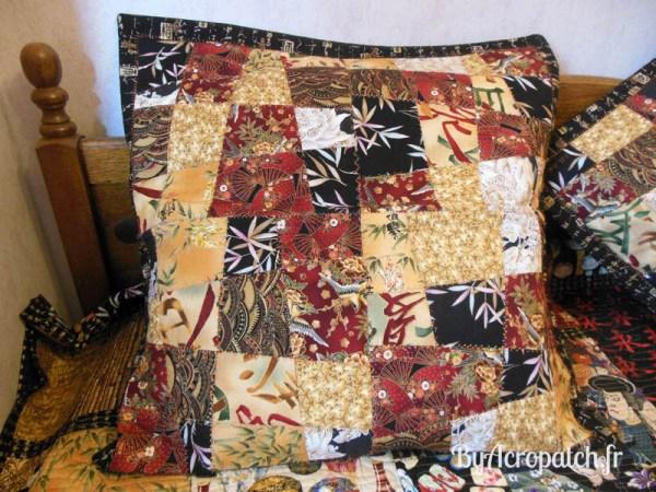 Acropatch-Couvre-lit-Geisha-tissus-japonais-203x233cm-détails oreiller
