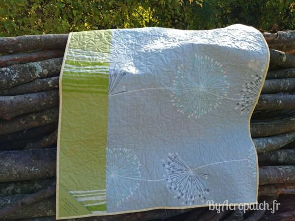 Acropatch-Baby Quilt-Box2-Motif-Quilting-Moulin-fil-uni-doré-92x102cm-Envers