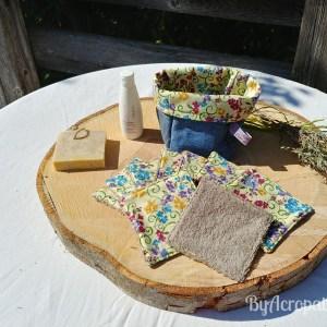 Pochon-lingette-lavable-petites-fleurs-fond-jaune-PL101