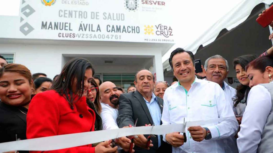 Inaugura Gobernador Centro de Salud en Poza Rica