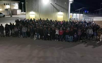 Arrestan 650 migrantes en Nuevo México