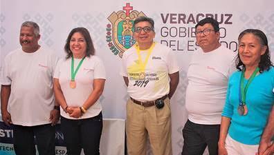 La selección veracruzana de atletas máster participará en Campeonato Nacional de la especialidad a realizarse del 20 al 27 de junio en Guadalajara, Jalisco; reveló el vicepresidente de la Asociación Nacional de Atletas Máster, Daniel Marcial Ramírez.