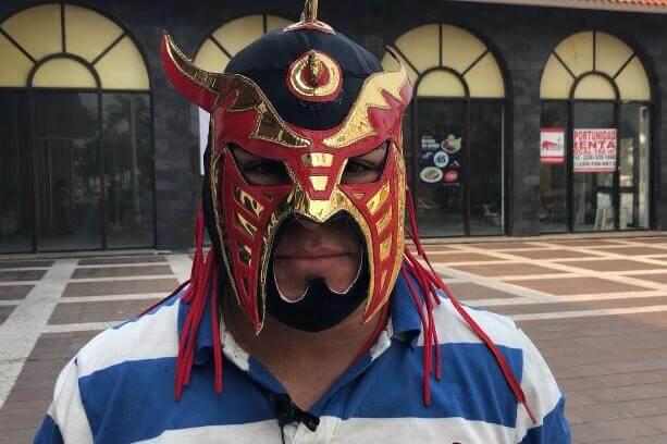 Luchadores veracruzanos profesionales se manifestaron tristes y consternados por el imprevisto deceso del gladiador Silver King este fin de semana en una función efectuada en Londres, Inglaterra.
