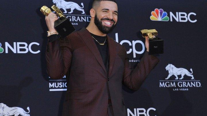 Rompe Drake récord en los premios Billboard