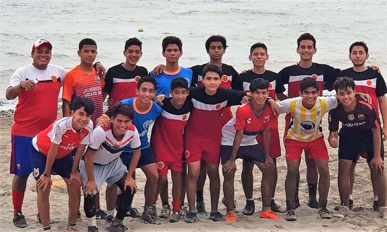 Cerró a tambor batiente su preparación la selección de la Liga Oropeza, al ganar 6-2 a Villa Rica en duelo amistoso, previo al viaje a Tuxpan en donde habrán de tomar parte del Campeonato Estatal Sub 15 durante el fin de semana.