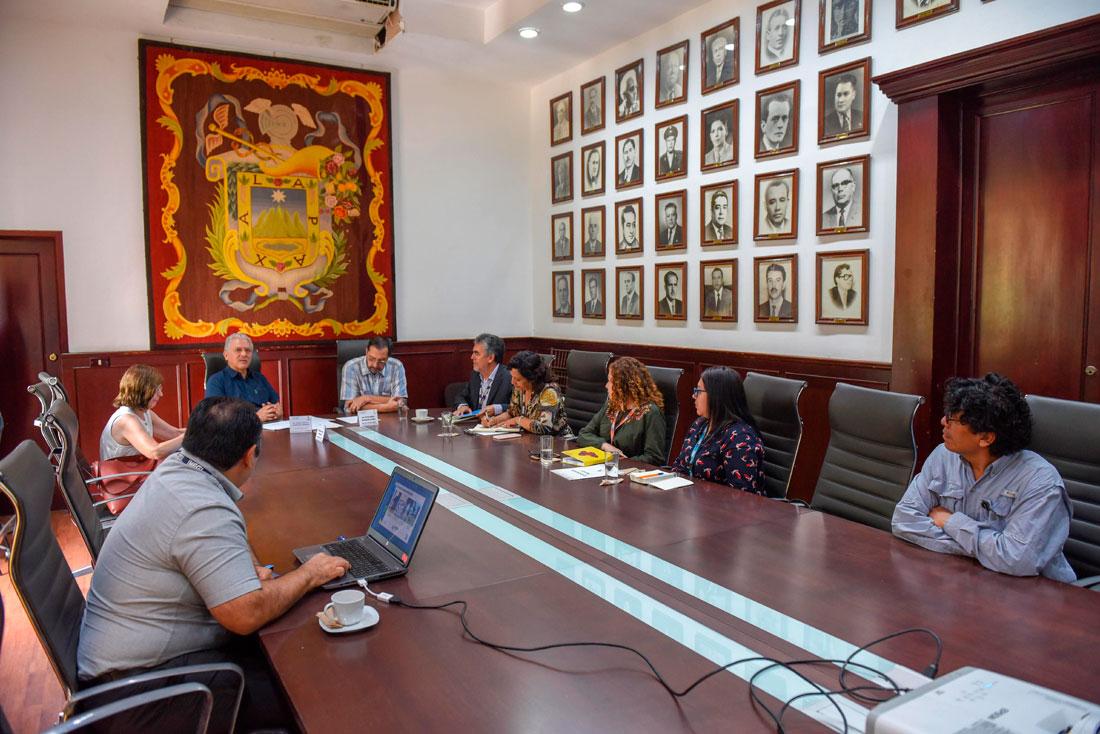 El presidente municipal Hipólito Rodríguez Herrero, afirmó que la información que genera el Instituto Nacional de Estadística y Geografía (INEGI) a través de sus censos y encuestas, es esencial para el trabajo que se realiza en los diferentes niveles de gobierno; permite mejorar los servicios que se brindan a la ciudadanía y aplicar los recursos públicos con eficiencia.