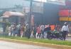 Vecinos habitantes de la colonia Álvaro Obregón cerraron la vialidad en la avenida 20 de Noviembre para exigir la reactivación del servicio de agua potable.