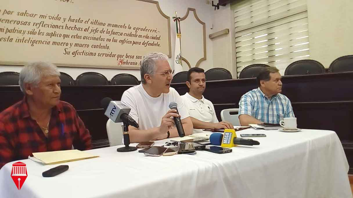 El Ayuntamiento de Xalapa sancionará a quienes roban agua potable en la ciudad, aseguró el presidente municipal de Xalapa, Hipólito Rodríguez Herrero.