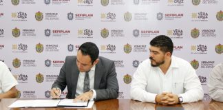 La Secretaría de Educación de Veracruz (SEV) y el ayuntamiento de Xalapa, firmaron un convenio para trabajar de forma conjunta en la regularización de bienes inmuebles que funcionaban como escuelas.