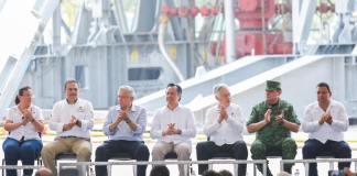 Este martes, durante su visita Campo Ixachi, el presidente, Andrés Manuel López Obrador aseguró que este campo, ubicado en la Cuenca del Papaloapan, producirá 80 mil barriles por día, para el año 2022.
