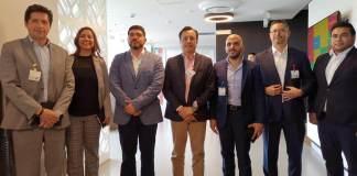 El gobernador de Veracruz, Cuitláhuac García visitó las instalaciones de Google México, HP y Total Play, con la finalidad de impulsar el desarrollo tecnológico para los municipios del estado.