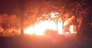 El jefe de Protección Civil, David León informó que ocurrió una explosión en un ducto de Petróleos Mexicanos (Pemex), en el municipio de Reforma Chiapas, que provocó un incendió que está siendo controlado.