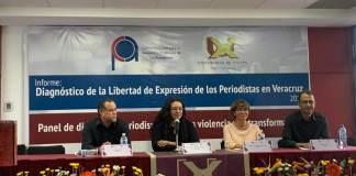 """En el marco del Día de la Libertad de Expresión, en la Universidad de Xalapa se llevó a cabo el informe """"Diagnostico de la Libertad de Expresión de los Periodistas en Veracruz"""", además del panel de discusión """"Periodismo, entre la violencia y la transformación""""."""