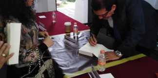 """Este sábado 15 de junio, el Doctor Hilario Barcelata Chávez llevó acabo la presentación del libro """"Duarte: la tragedia económica de Veracruz"""" en las inmediaciones de la Universidad de Xalapa."""