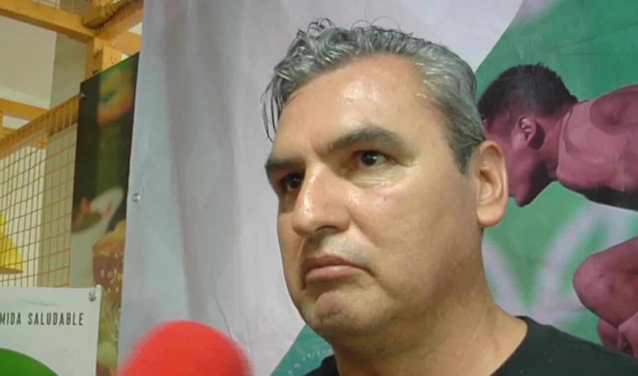 En conferencia de prensa, fue presentado el proyecto de la Escuela de Clavados que supervisará en Veracruz, el entrenador nacional Ivan Bautista.