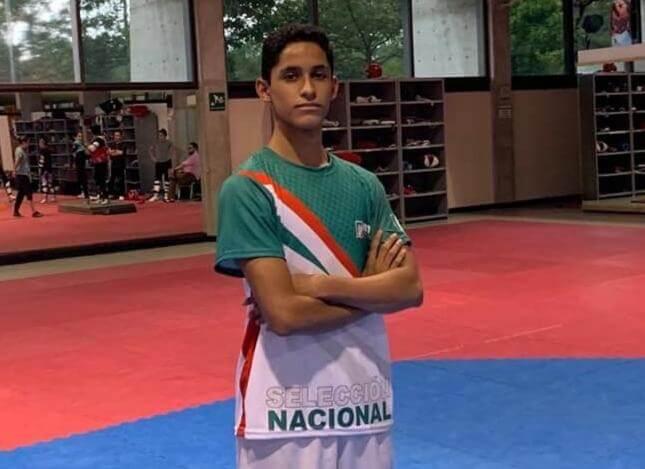 El taekwondoin veracruzano Julián Sánchez Yañez se alista para competir por México en el próximo Mundial de Cadetes de Taekwondo que se realizará del 7 al 10 de agosto en Uzbekistán.