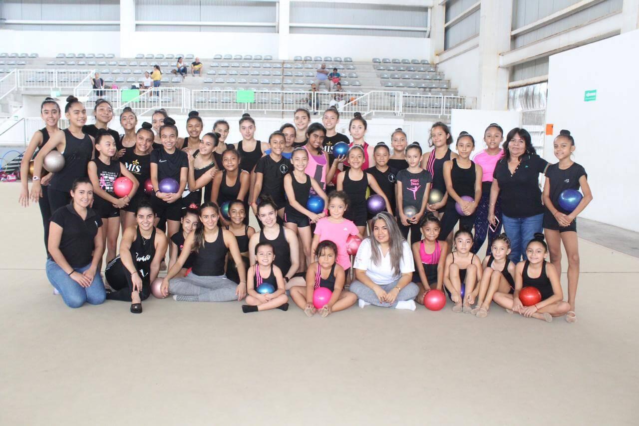 Este viernes comenzó el Campamento de Gimnasia Rítmica que impartirán este fin de semana las seleccionadas nacionales, la veracruzana Marina Malpica y la tamaulipeca Ledia Juárez.