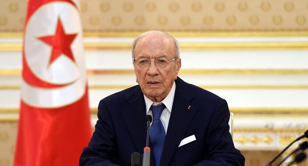 El presidente de Túnez, Mohamed Béji Caid Essebsi falleció este jueves a los 92 años de edad, tras pasar un mes enfermo y en medio de un conflicto político en su país a causa de la aprobación de la nueva ley electoral.