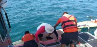 """La Secretaría de Marina-Armada de México informa que ayer domingo, personal adscrito a la Primera Región Naval, con sede en esta ciudad y puerto, en el marco de la """"Operación Salvavidas Verano 2019"""" proporcionó apoyó a dos personas que se encontraban a la deriva a bordo de una embarcación tipo kayak, cerca de la Isla de Sacrificios."""