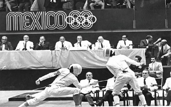 """María del Pilar Roldán mejor conocida como la """"mosquetera mexicana"""", fue la primer mujer en ganar la primer medalla olímpica para México. Inspirada por la obra de Alejandro Dumas, Pilar se convirtió en todo un ejemplo de entrega, disciplina y trabajo para los mexicanos que desean alcanzar sus sueños sin importar las adversidades."""