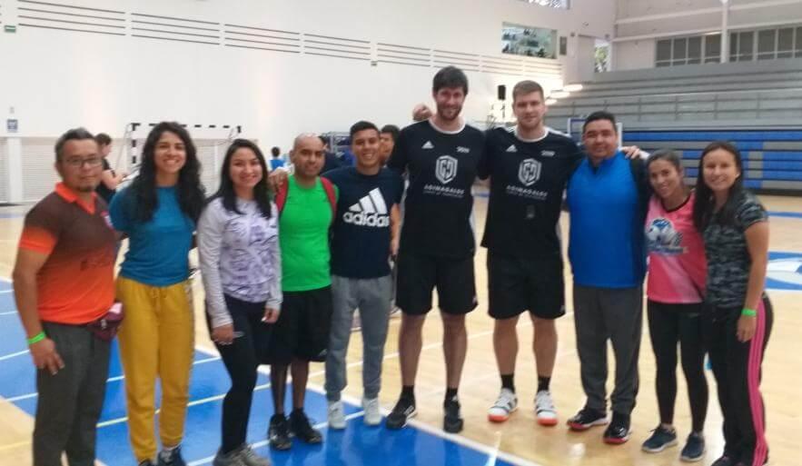 Nueve entrenadores veracruzanos de balonmano se capacitan en el Primer Congreso Internacional de este deporte que se desarrolla en la ciudad de Aguascalientes.