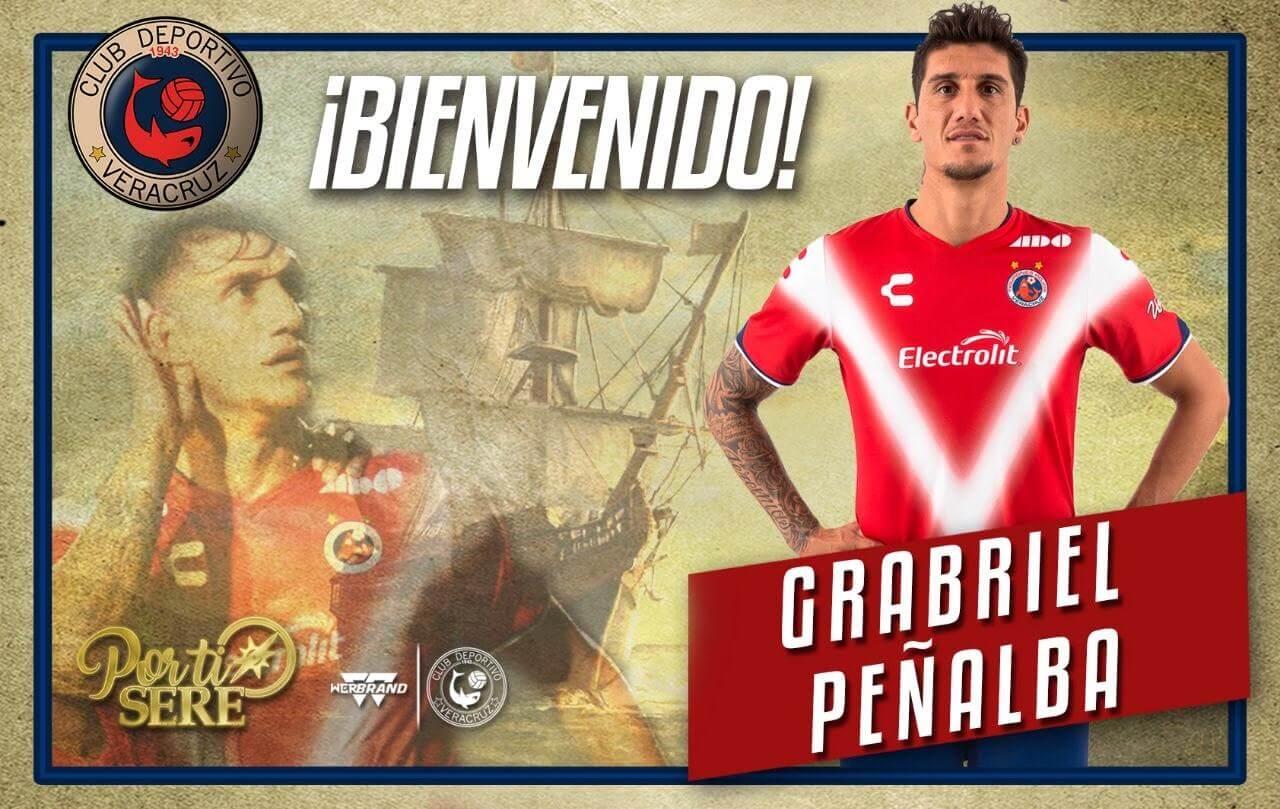El argentino Gabriel Peñalba regresa a los Tiburones Rojos para reforzar el medio campo en el torneo Apertura 2019 de la Liga MX, y así vivir su segunda etapa como futbolista del Veracruz.