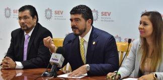 La Secretaría de Educación de Veracruz (SEV), a través de la Oficialía Mayor, presentó los logros y avances administrativos en la nómina federalizada, donde destacó el reingreso de 120 docentes cesados durante la implementación de la Reforma Educativa; además de la próxima basificación de ocho mil 611 trabajadores.