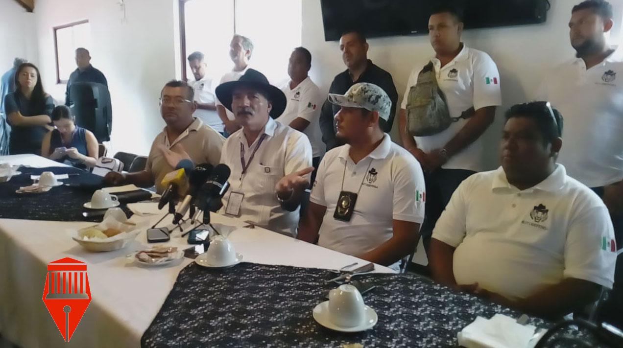El líder del Frente Nacional de Autodefensas, José Manuel Mireles Valverde aseguró que en 2014, casi 2 mil integrantes de las autodefensas.