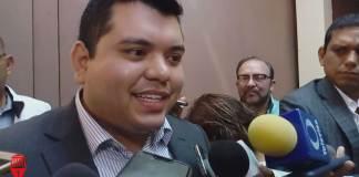 El subsecretario de Gobierno, Carlos Alberto Juárez Gil informó que se logró el desalojo de 36 viviendas enVilla Xalapa, y que esto obedeció a un mandato judicial.