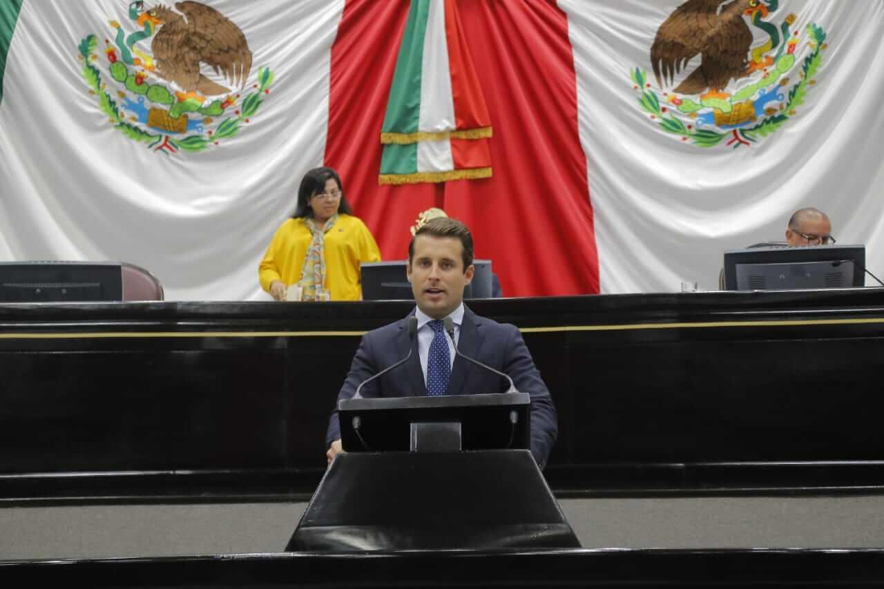 El diputado local, Bingen Rementería Molina, presentó una iniciativa para crear la Comisión Permanente Anticorrupción en el Congreso del Estado, con el objetivo de dar seguimiento a la aplicación de las leyes en esta materia, a través del Poder Legislativo.