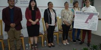 La Secretaría de Educación de Veracruz (SEV), a través de la Subsecretaría de Educación Básica, entregó apoyos del Programa Becas a Madres Jóvenes y Jóvenes Embarazadas para su permanencia o conclusión de sus estudios de nivel básico.