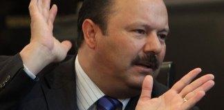 El juez octavo de distrito del estado de Morelos ordenó el arresto del exgobernador de Chihuahua, César Duarte Jáquez, quien lleva más de dos años prófugo de la justicia.