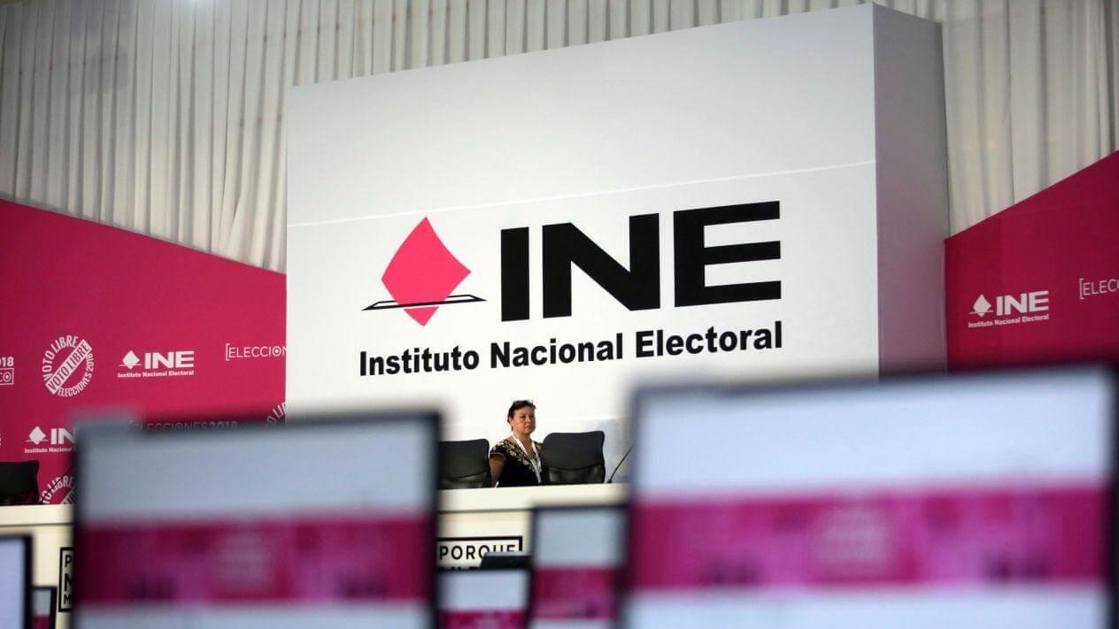 El presidente del Instituto Nacional Electoral (INE), Lorenzo Córdova advirtió que si en 2020 el presupuesto fuera insuficiente, se pondrían en riesgo las elecciones federales de 2021.