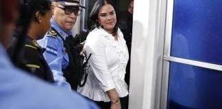 La fiscalía de Honduras solicitó el martes una pena de 77 años de cárcel para la ex primera dama Rosa Elena Bonilla de Lobo, esposa del ex presidente Porfirio Lobo (2010-2014), tras haber sido hallada culpable por 11 delitos relacionados con actos de corrupción.