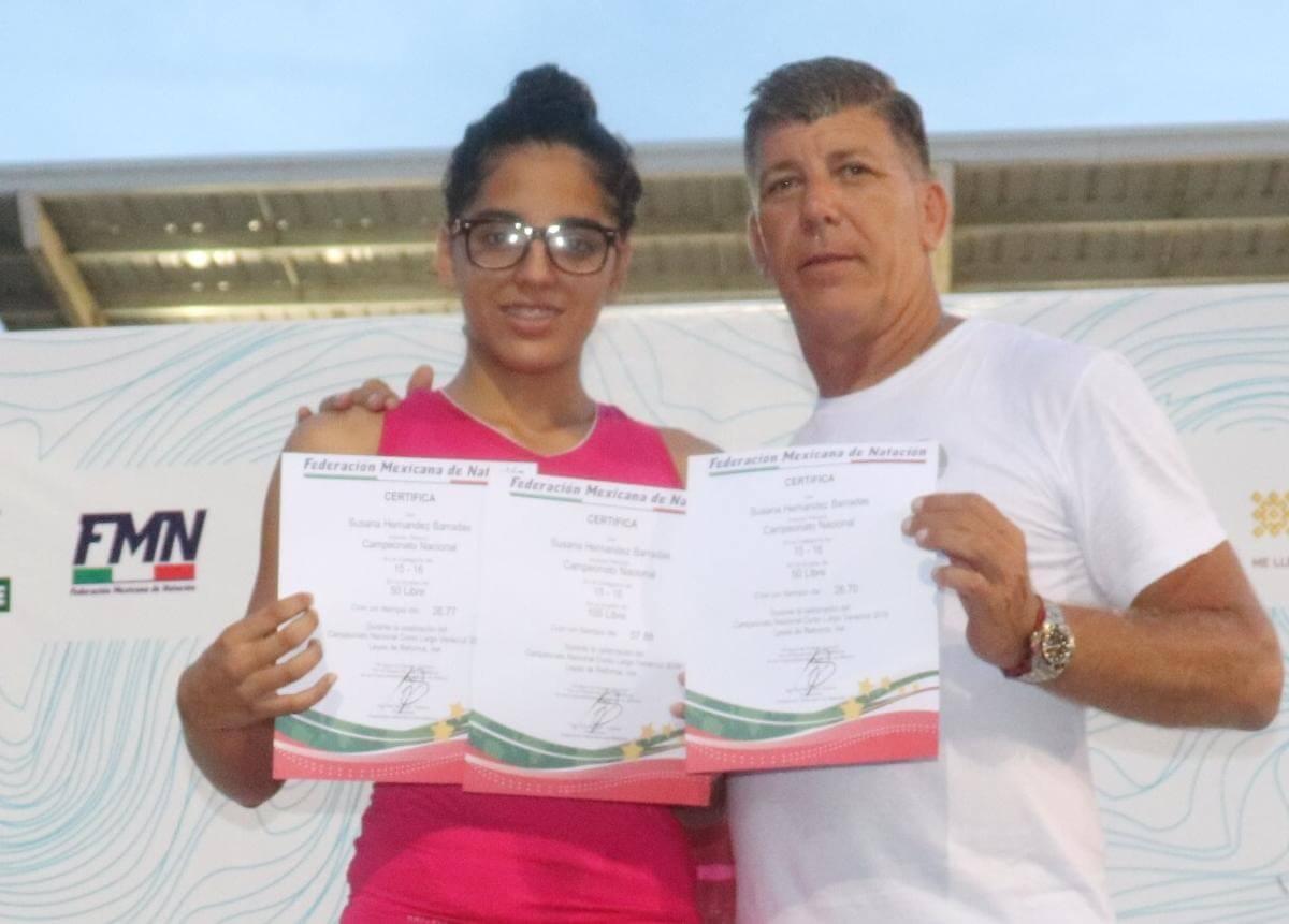 La nadadora veracruzana Susana Hernández Barradas viajó con la selección mexicana rumbo al Campeonato Mundial Junior de Natación que se celebrará del 20 al 25 de agosto en Budapest, Hungría.