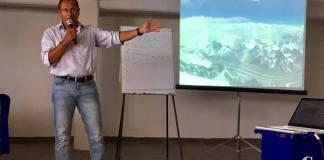 El veracruzano Jorge Salazar Gavia, montañista que ha sumado diez expediciones a la cordillera del Himalaya, visitó las oficinas del Instituto Veracruzano del Deporte (IVD), donde platicó su experiencia en las montañas más altas del mundo.