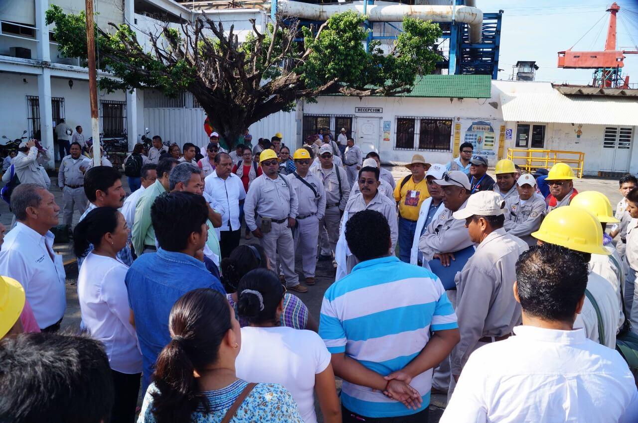 Continuando las labores para el combate del dengue, zika y chikungunya, la Secretaría de Salud (SS) realizó una jornada de descacharrización y control larvario en las localidades Comapa, Tenejapan y Juan Díaz Covarrubias en los municipios de San Andrés Tuxtla, Oluta y Hueyapan de Ocampo, respectivamente.