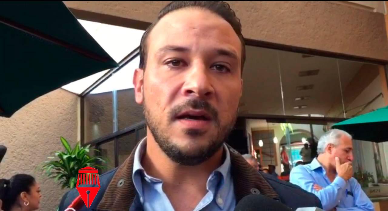 El diputado, Manuel Unanue Abascal informó que la Secretaría de Salud (SS) comenzó a cerrar centros de salud en municipios del estado, como Boca del Río.