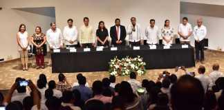 """Durante el 4° Foro """"Retos y Prospectiva de la Política Educativa en Veracruz. Hacia la definición de la Leyes Secundarias"""", la Secretaría de Educación de Veracruz (SEV) refrendó su compromiso de brindar servicios de calidad y dar certeza laboral al gremio magisterial."""