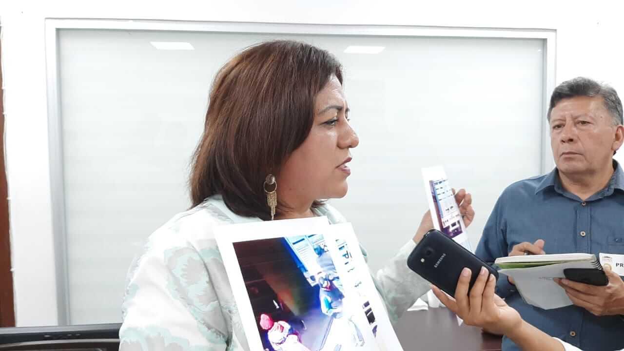A través de una entrevista, la regidora quinta del Ayuntamiento de Altotonga, María Elena Baltazar Pablo denunció que es víctima de acoso, violencia política y de género, por parte del alcalde Ernesto Ruiz Flandes.