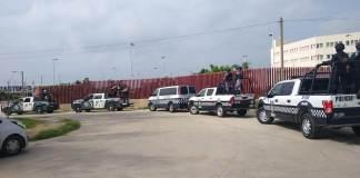 La Secretaría de Seguridad Pública (SSP), a través de la Subsecretaría de Prevención y Participación Ciudadana, trasladó a 23 internos de los centros de Reinserción Social de Amatlán, Coatzacoalcos y Jalacingo, a diferentes centros penitenciarios federales.