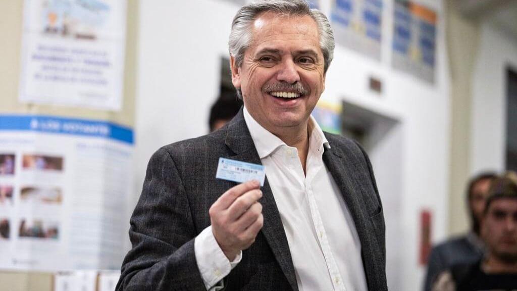 Alberto Fernández consiguió una diferencia de 15 puntos sobre el actual mandatario Mauricio Macri en las elecciones primarias de este domingo, hacia la presidencia de Argentina.