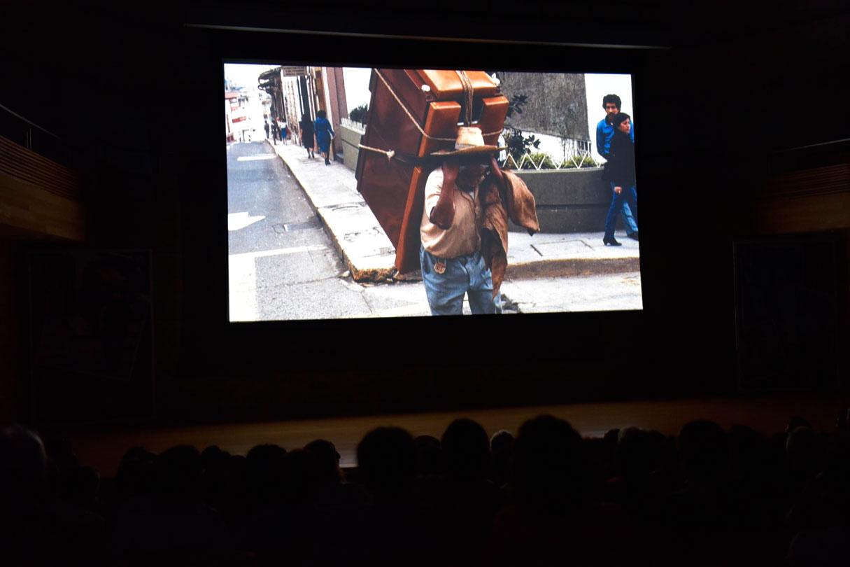 En homenaje al cargador y melómano Juan Herrera Vázquez, se proyectó en Tlaqná, centro cultural, el documental Juanote, dirigido por Raúl Criollo, tras su participación en el Festival Internacional de Cine Latinoaméricano 2018, en Barcelona, España.