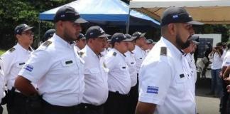 El Gobierno de El Salvador desplegó, en una zona cercana a Guatemala, a 1.100 agentes de una nueva patrulla fronteriza financiada por Estados Unidos para frenar la migración irregular hacia el país norteamericano.