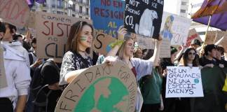 Millones de jóvenes iniciaron este viernes en las calles de varias ciudades del planeta la Semana Mundial de Acción por el Clima.