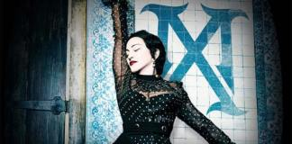"""Madonna comenzó la gira mundial de su último álbum, """"Madame X"""", en un conocido teatro de Brooklyn, Nueva York donde se convocó una audiencia más reducida de lo normal para los estándares de la veterana diva del pop, según informaron medios locales."""