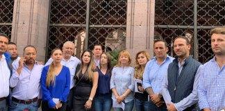 Los diputados del Grupo Legislativo del PAN acudieron a Palacio de Gobierno para dialogar con el gobernador Cuitláhuac García Jiménez y exigirle que saque las manos del Poder Legislativo y la Fiscalía General del Estado (FGE).