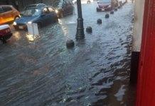 Avenidas de la zona conurbada Veracruz- Boca del Río se encuentran inundadas, tras la fuerte lluvia registrada esta mañana.