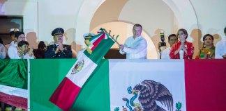 Este 15 de septiembre, el presidente municipal de Boca del Río, Humberto Alonso Morelli encabezó el tradicional grito de Independicia desde el Palacio Municipal de dicha ciudad, junto a 6 mil boqueños y turistas.
