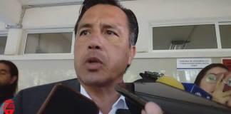 Durante más de ocho meses, el secretario de Gobierno, Eric Cisneros Burgos y el de Seguridad Pública (SSP), Hugo Gutiérrez Maldonado, estuvieron al frente de las dependencias sin tener acreditados exámenes de control y confianza.